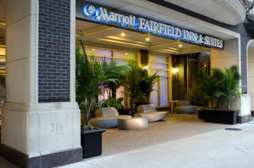 Fairfield Inn and Suites Chicago Downtown/ Magnificent Mile photo 3