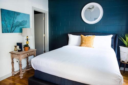 Murphy House: The Mary Louise - One Bedroom Home - Savannah, GA 31401