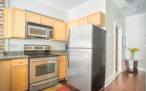 Bay Street Loft 204 - One Bedroom Condo - Savannah, GA 31401