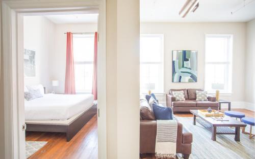 Broughton Central - Two Bedroom Home - Savannah, GA 31401