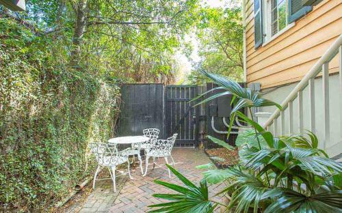 Warren Peace Garden Apartment - One Bedroom Condo - Savannah, GA 31401