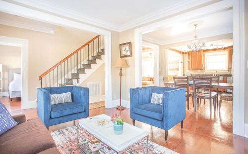 Charming Charlton - Three Bedroom Home - Savannah, GA 31401