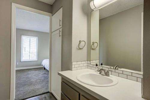 Denver One Bedroom - Denver, CO 80203