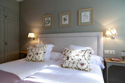 Suite deluxe with private pool  Hotel Boutique Pinar 72