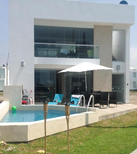 Casa De Playa Asia Photo