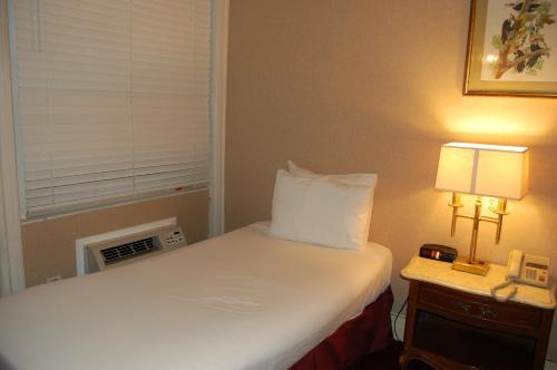 Windsor Inn Hotel Photo