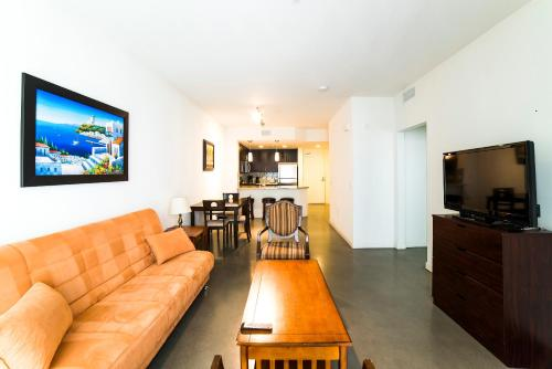 Wilshire Place Apartment Photo