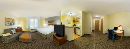 TownePlace Suites Mobile Photo