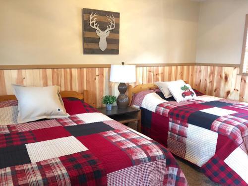 Rockerville Lodge & Cabins - Rapid City, SD 57702
