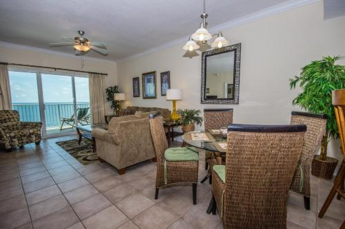 Crystal Shores West 903 Photo