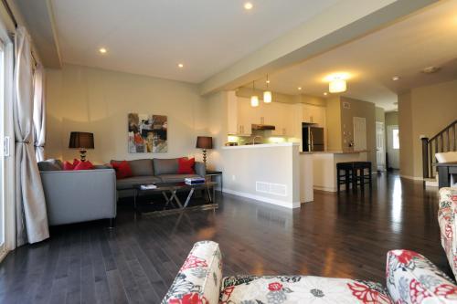 Boardwalk Homes Executive Guest Houses - Kitchener, ON N2N 2Y6