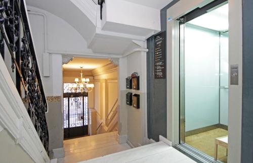 AinB Eixample-Miro Apartments photo 78