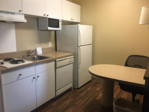 Extended Stay America - Indianapolis - Airport - W. Southern Ave. photo 8