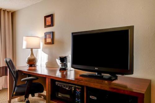 Comfort Inn Kennesaw - Kennesaw, GA 30144-4961