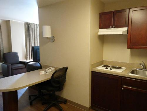 Extended Stay America - Indianapolis - Northwest - I-465 photo 17