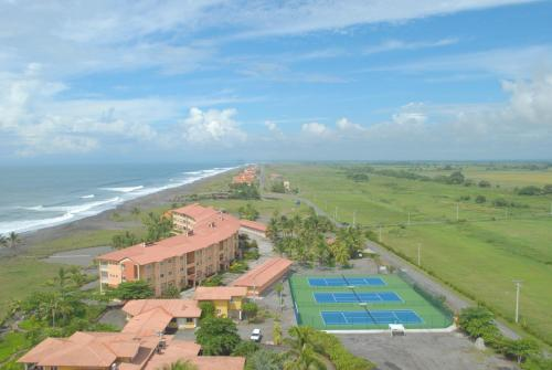 Las Olas Beach Resort Photo