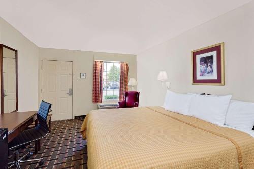 Days Inn Spartanburg Photo