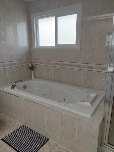 Sports Home Hotel - Richmond, BC V7C 3J9