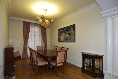 Apartment On The Square Of Republic Armenia