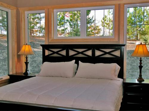 Bluewater Lodge King Suite 1b - Walker, MN 56484