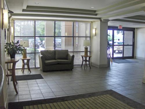 Extended Stay America - Atlanta - Gwinnett Place Photo
