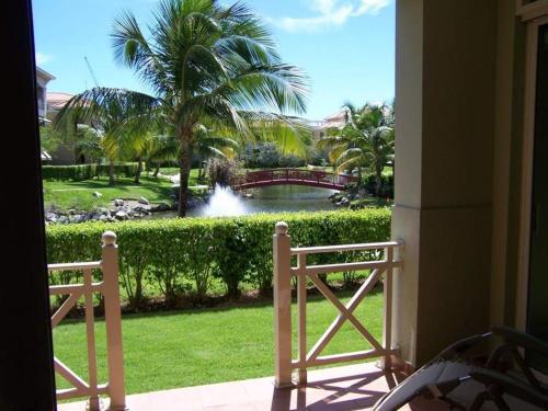 Modern Updated Lake View Villa