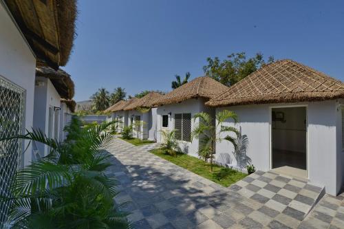 Top Hotel Deals Near Rishikonda Beach Vishakhapatnam Oyo 12084 Bay Paradise