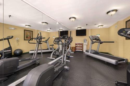 Baymont Inn & Suites - Gainesville Photo