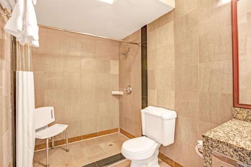 Baymont Inn & Suites Bremerton Photo