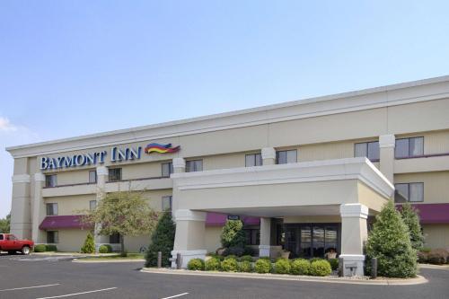 Top Hotel Deals Near Buffalo Trace Park Palmyra Baymont By Wyndham Corydon