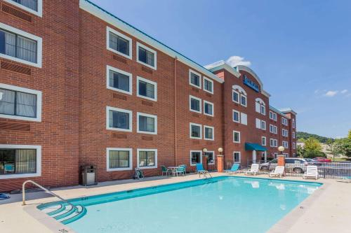 Baymont Inn and Suites Nashville/Brentwood Photo
