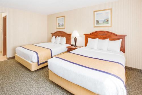 Baymont Inn and Suites Kalamazoo Photo