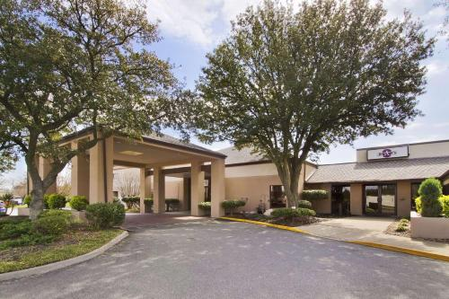 Baymont Inn and Suites Prince George Photo
