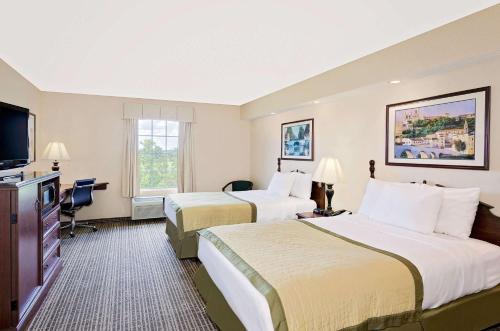 Baymont Inn & Suites Georgetown/Near Georgetown Marina Photo