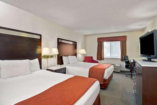 Baymont Inn & Suites Washington Court House Photo