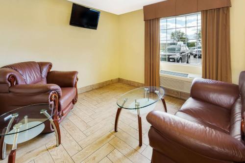 Baymont Inn & Suites Beloit Photo