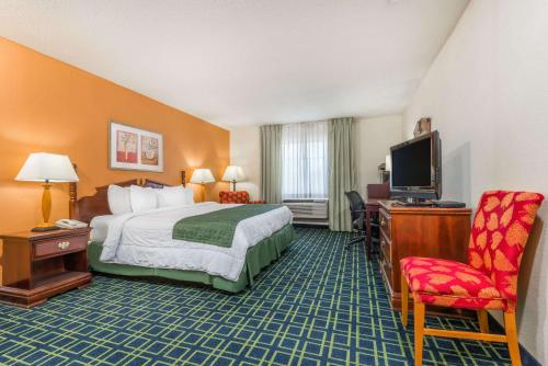 Baymont Inn and Suites Greensburg Photo