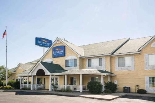 Baymont Inn and Suites Albany Photo