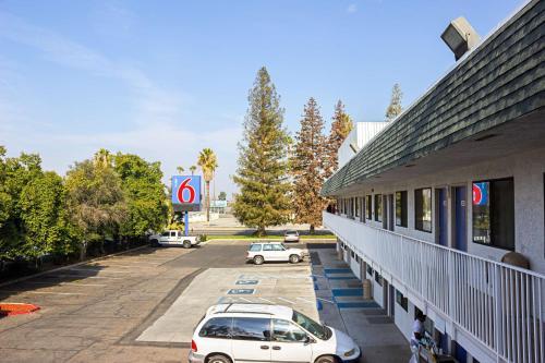 Motel 6 Porterville Photo