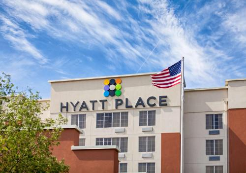 Hyatt Place Columbus-North Photo