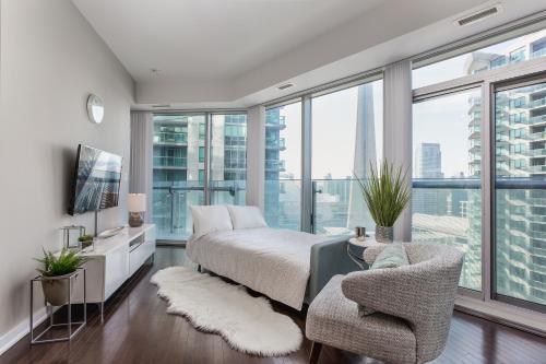 Applewood Suites - 2 Bdrm Luxury Condo