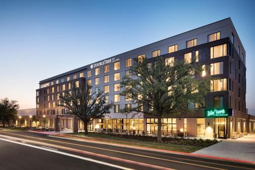 Doubletree By Hilton Greeley At Lincoln Park - Greeley, CO 80634