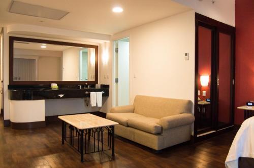 Holiday Inn Hotel & Suites Centro Historico Photo
