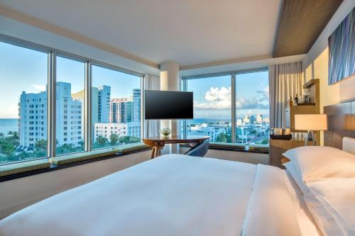 1600 Collins Avenue, Miami Beach, 33139, United States.
