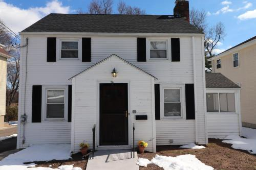 Beautiful Charming Home In Hartford's South End - Hartford, CT 06106
