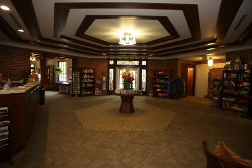 Canyon Inn Photo