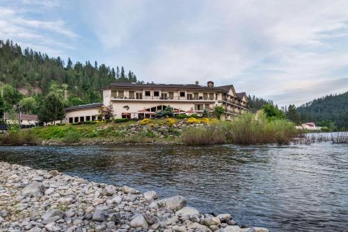 Best Western Plus Lodge At Rivers Edge - Orofino, ID 83544