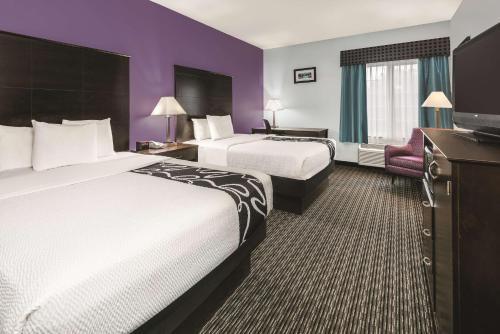 La Quinta Inn & Suites San Antonio The Dominion Photo