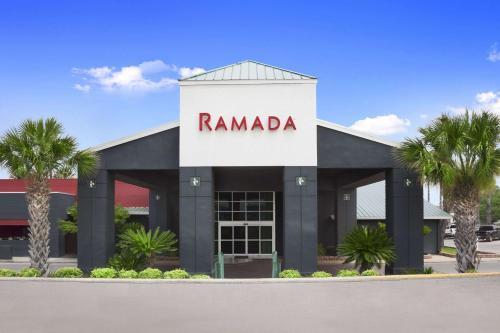 Ramada Del Rio Photo
