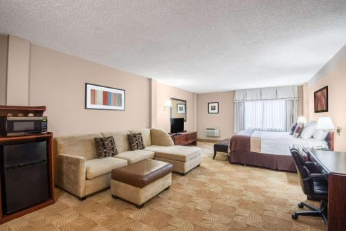 Ramada Denver Downtown Photo